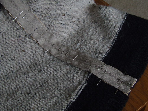 Scandinavian Cardigan - installing the zipper
