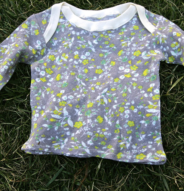 Envelope tee in floral