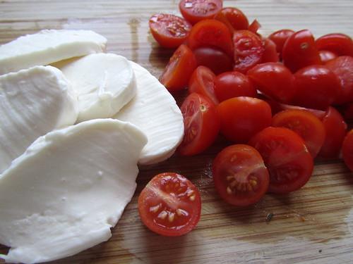 Mozz & cherry tomatoes