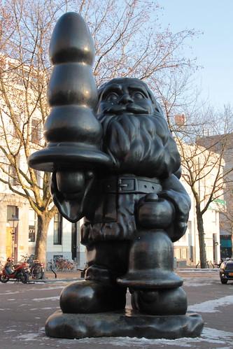 Buttplug Gnome - Paul McCarthy's Santa Claus
