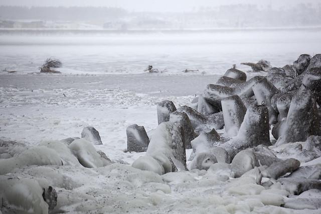 厳冬の米代川