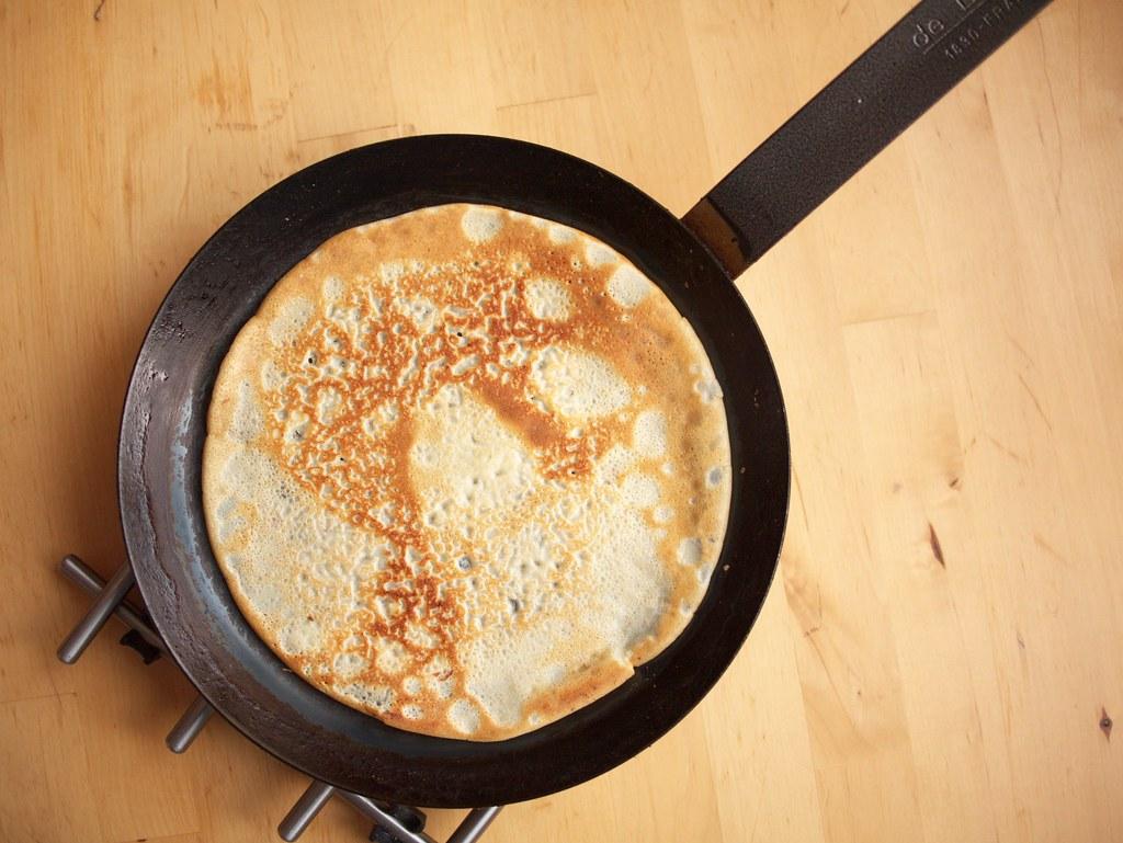 Crêpe on a pan
