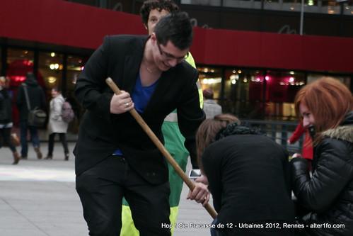Hop ! Par la compagnie Fracasse de 12 @ Urbaines 2012, Rennes-18