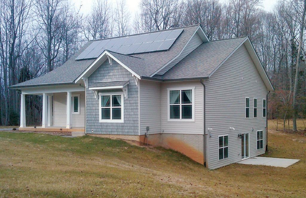 Home energy magazine virginia 39 s most energy efficient home for Most energy efficient house