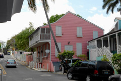 Nassau - 'Balcony House'
