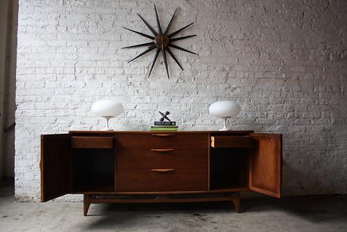 Handsome Lane Perception Mid Century Modern Oak and Walnut Credenza (U.S.A, 1960's)