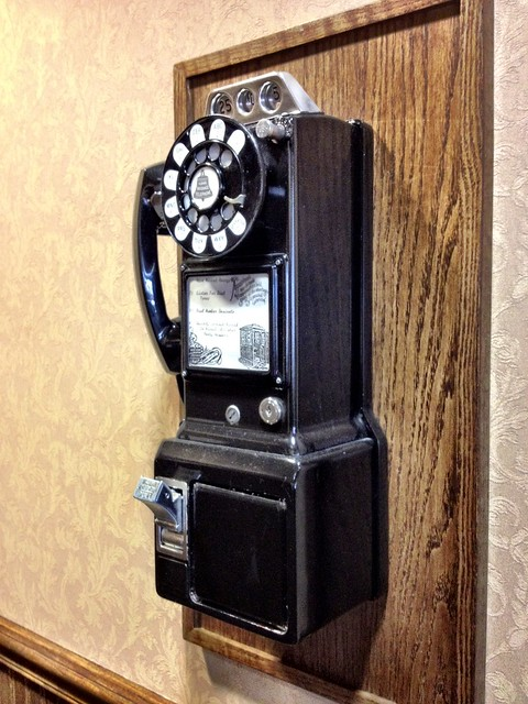 Picture Of An Old Fashioned Phone