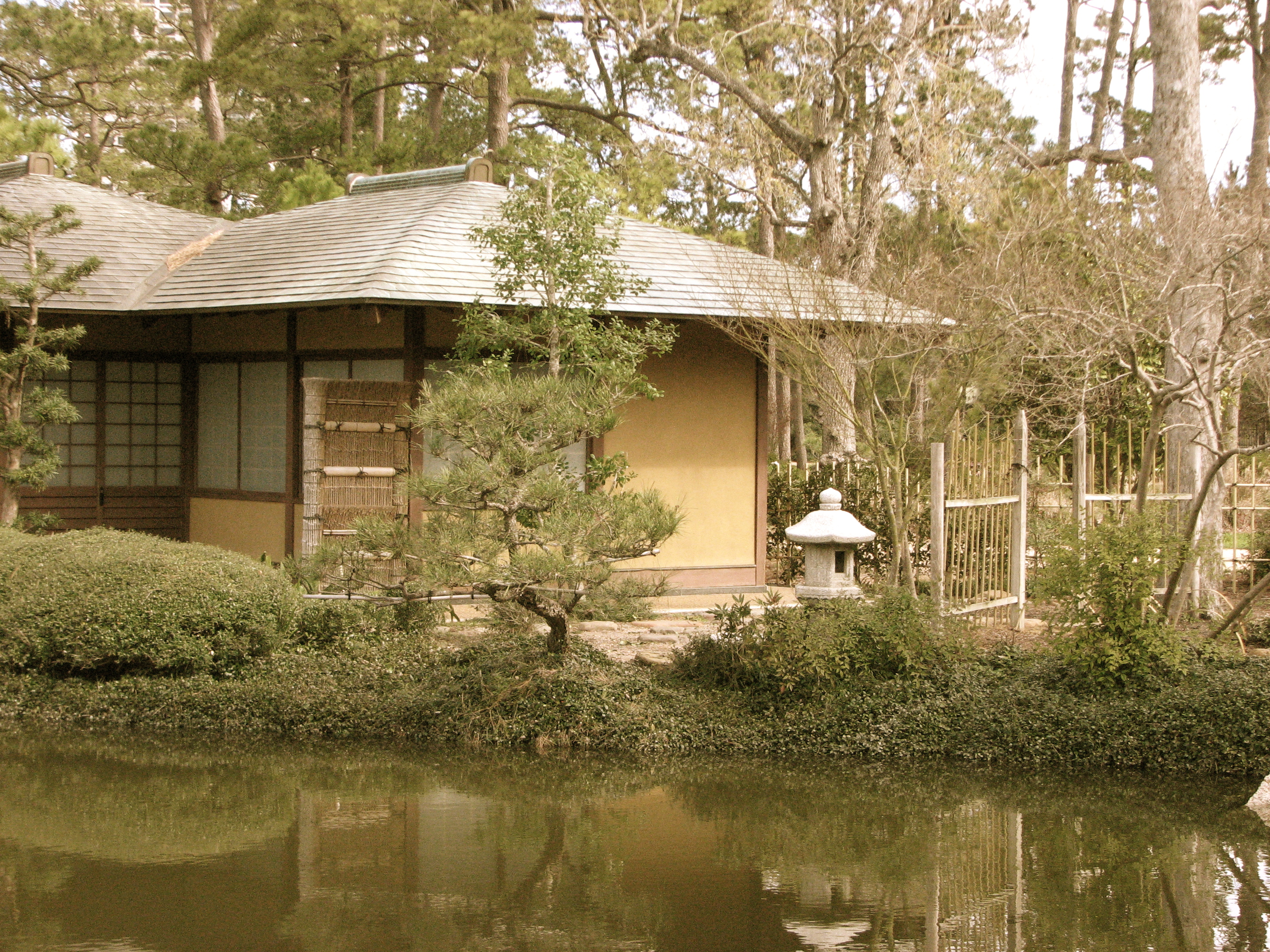 Tea House Japanese Garden