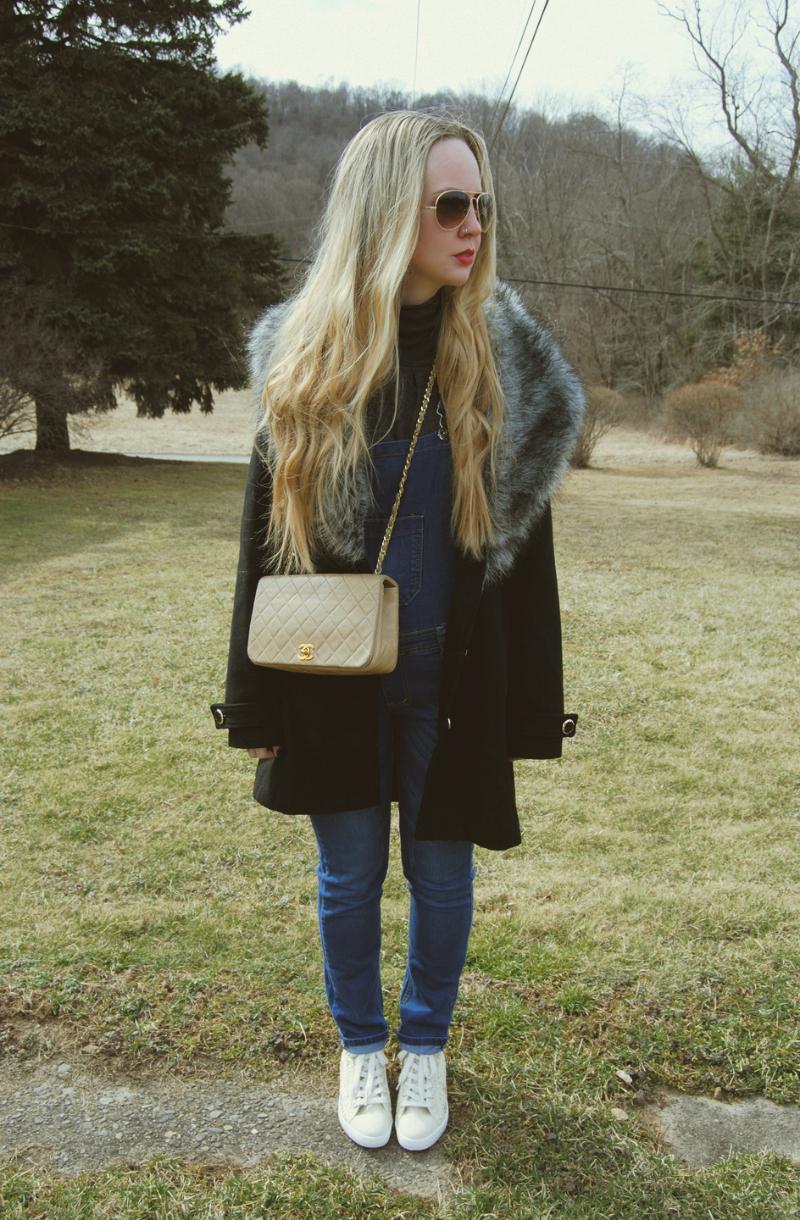 Vintage Overalls-ChanelBag-GuessLaceSneakers-BoohooFauxFurCollarCoat