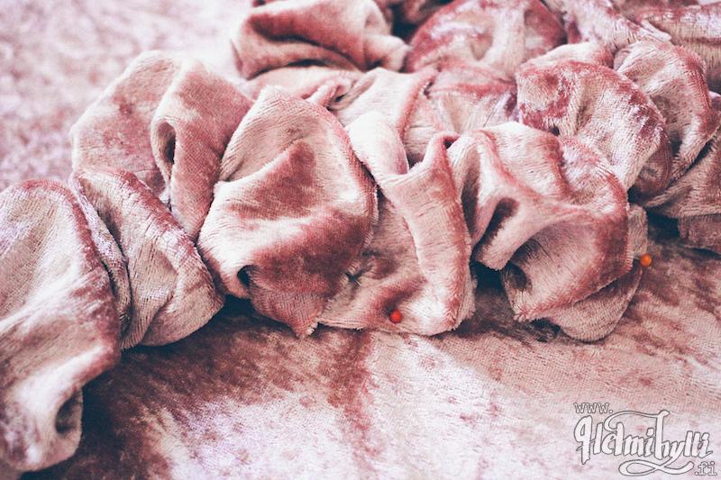 diy-ruusu-tyynyliina-ohje