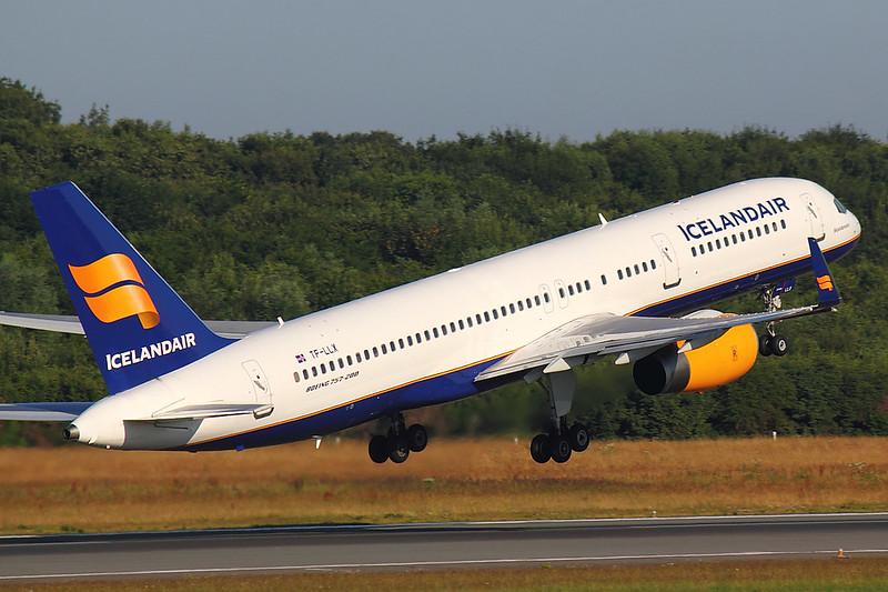 Icelandair - B752 - TF-LLX (4)