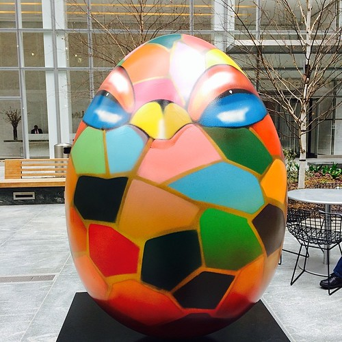 #thebigegghuntny: by @chorboogie right behind my building!  Get into it by visiting thebigegghuntny.org #egg280