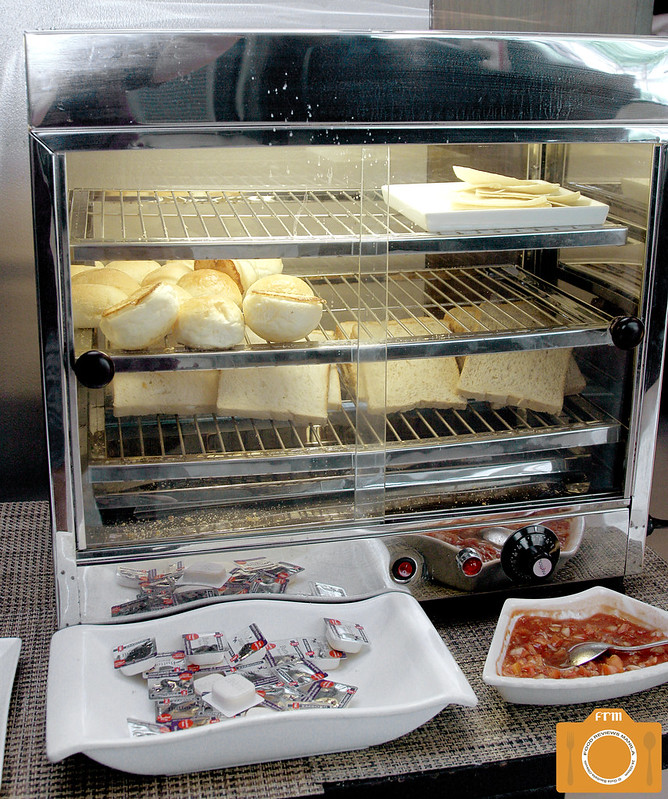 B Hotel Bread and Butter Station CROP