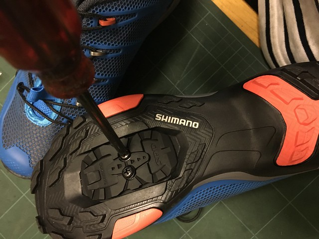 SHIMANO SH-MT44