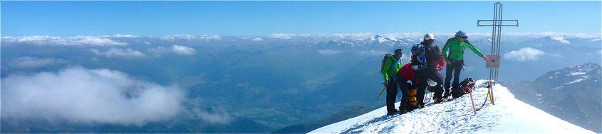 Am Gipfel des Ortler, 3905 m, höchster Berg Südtirols. Foto: Günther Härter.