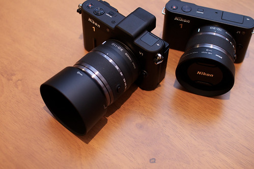 Nikon V1 + Nikon J1.