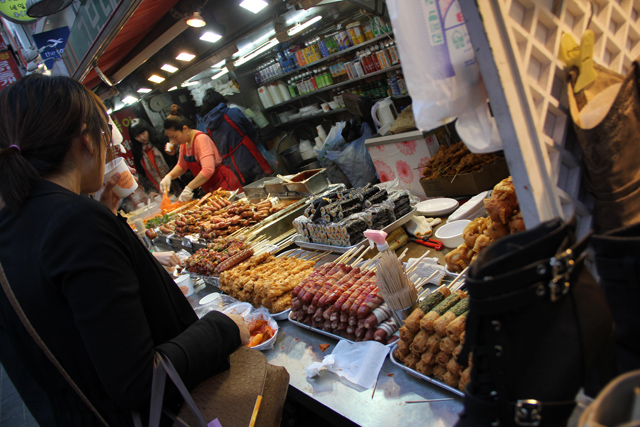 6955108498 f11a9d6b05 o The Foodies Guide to Korean Street Food in Seoul