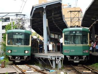 江ノ電1002F+1501Fと、江ノ電1201F(+22F)@鎌倉