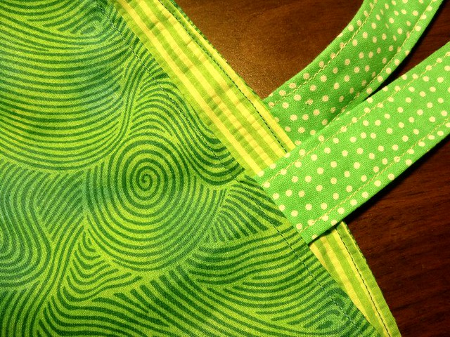 green tote closeup