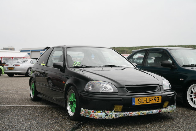 Stickerbombed Honda Civic EG
