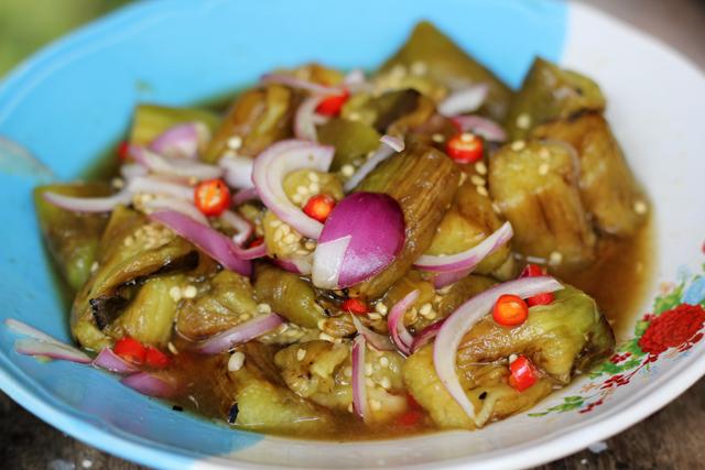 Yam Makua Yao (Roasted Eggplant Salad) ยำมะเขือยาว