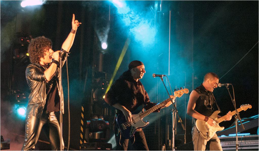 Iberia Sumergida, acompañados de Debossess y Mehnai en el Festival Gama Rock 2012 (Gama, Cantabria), 8 de Junio de 2012