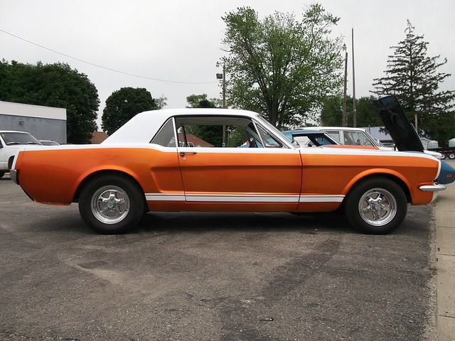 1965 Ford Mustang Coupe(4)