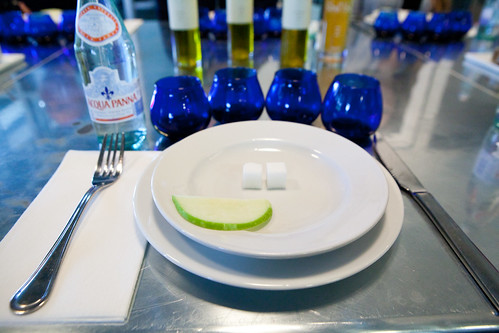 Table setting for the olive oil and vinegar tasting