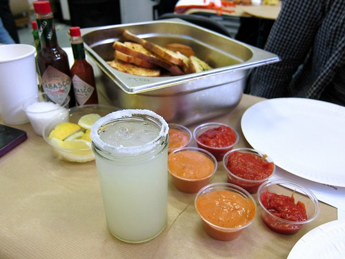 Margarita, sauces and garlic bread