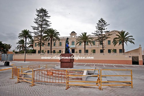 Plaza San Juan Bautista. La Salle-El Carmen. Melilla