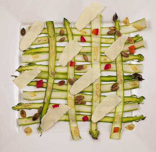 Flat asparagus salad
