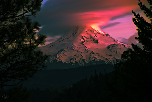 blue sunset red orange oregon volcano fav50 fav20 mthood fav30 dormant fav10 fav40 fav60 fav90 fav80 fav70 uscopyrightregistered2011