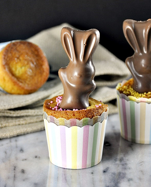 Easter Buttermilk Cupcakes with Chocolate MaltEaster Bunny  | www.fussfreecooking.com