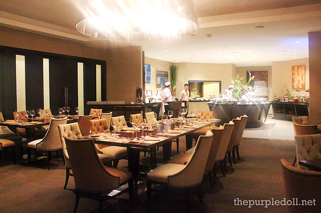 Oakroom Saturday Night Fever Buffet at Oakwood Premier Joy Nostalg Center Manila