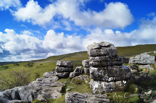 park clouds fence landscape nationalpark rocks view cloudy pavement cove yorkshire national trust limestone lichen nationaltrust clints dales malham yorkshiredales limestonepavement malhamcove grikes