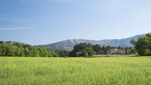 sky field landscape provence montagnesaintevictoire friendlychallenges titole nicolefaton