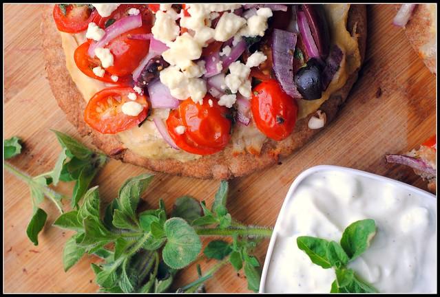 greekpitapizza5
