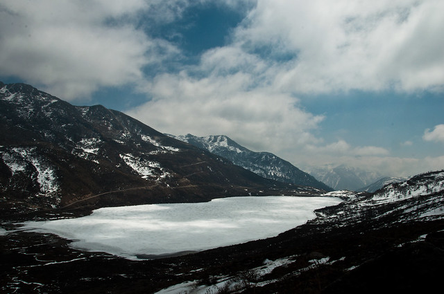 kupup lake - frozen, Near Nathang Valley