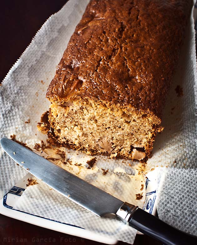 Rye and apple cake