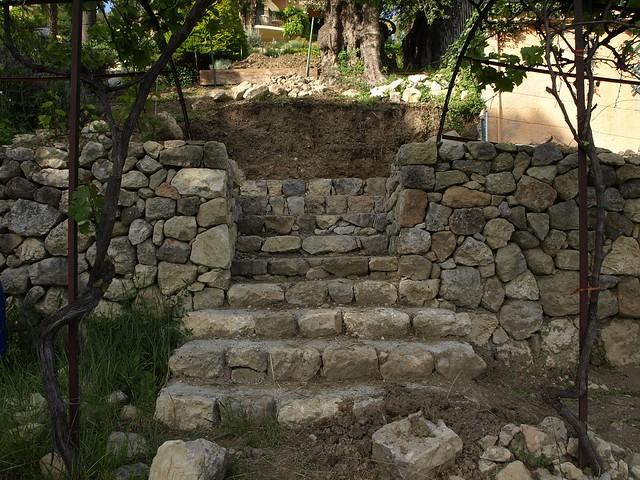 escalier en pierre ma onn e et mur de restanque flickr photo sharing. Black Bedroom Furniture Sets. Home Design Ideas