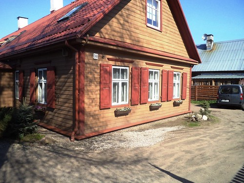 Drewniany Dom w Wilnie - Wooden House in Vilnius by xpisto1