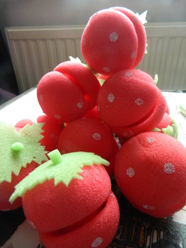 strawberry sponge curlers
