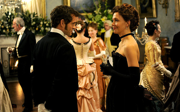 Hugh Dancy an Maggie Gyllenhaal differ in definitions of HYSTERIA.