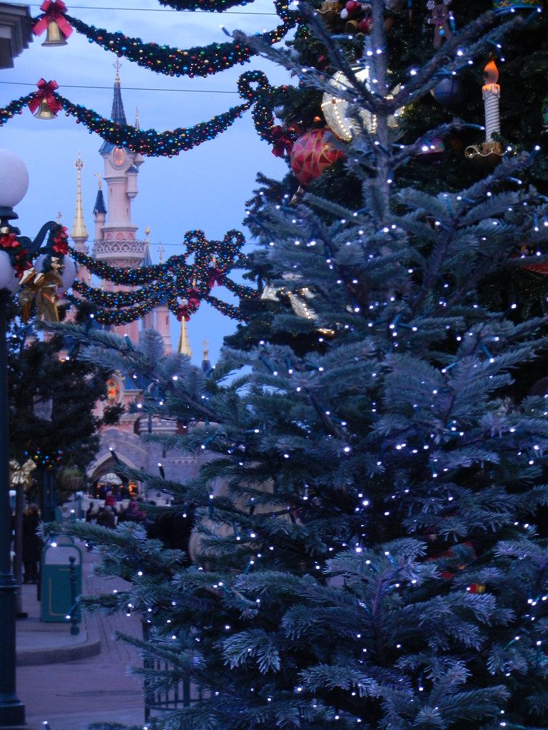 Un séjour pour la Noël à Disneyland et au Royaume d'Arendelle.... - Page 2 13643553074_5df378819f_b