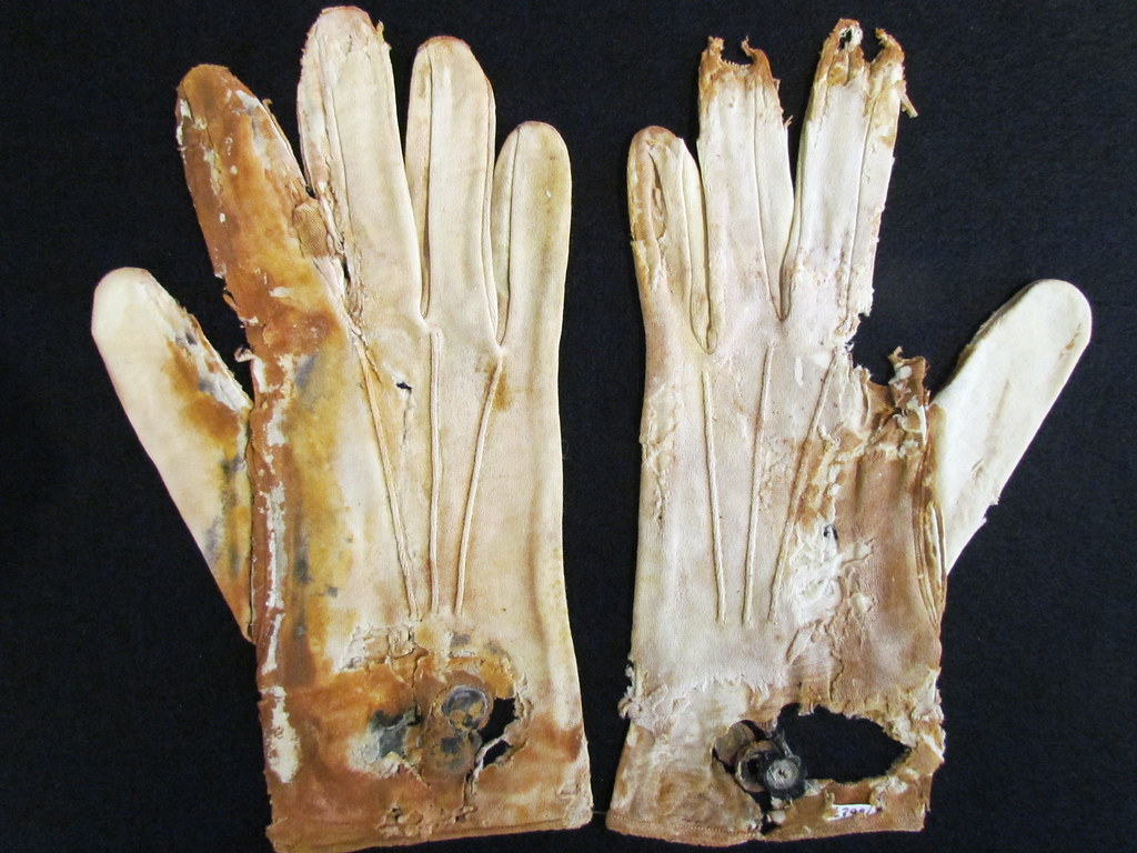 Objects from Titanic for highest bidder   Correspondent ...