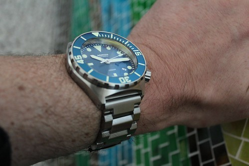 Couple of quick pics of the new A1- same great lume as previous, and I'm  digging the new bracelet-