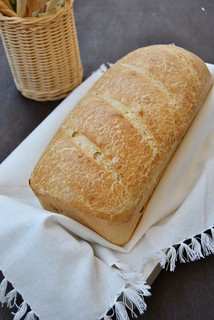 Sandwich milk bread with sourdough starter