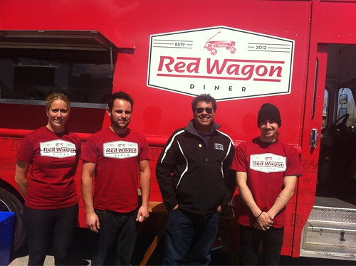 Mayor Nenshi visits Red Wagon