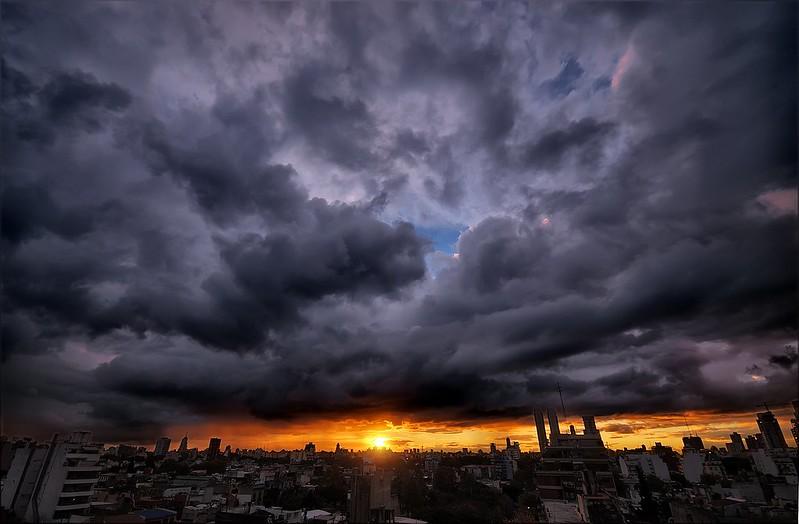 Tormenta al atardecer - Storm at sunset