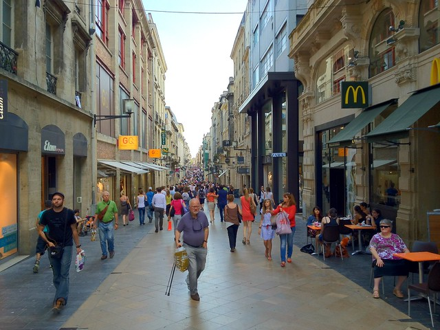"Rue St. Catherine - the ""High Street"" in Bordeaux"